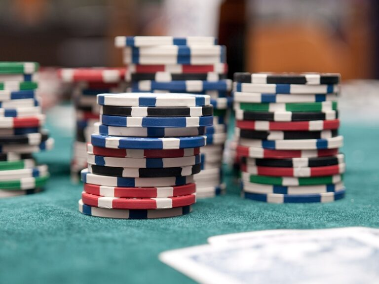 Why You Should Consider Online Casino?